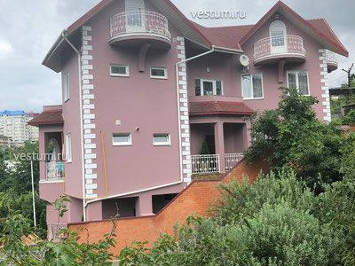 Дом 350 м² с участком 5 сот.